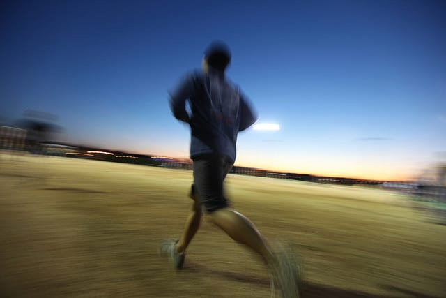 How to stay safe when running in the dark – A Healthier ...
